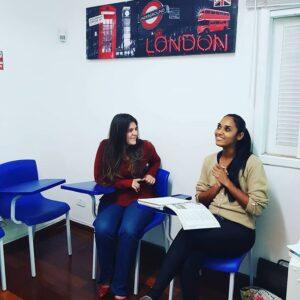 Foto de Alunas em sala de Aula - Instituto Serena